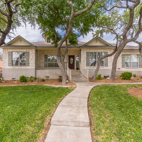 Maytum Circle single story home for sale